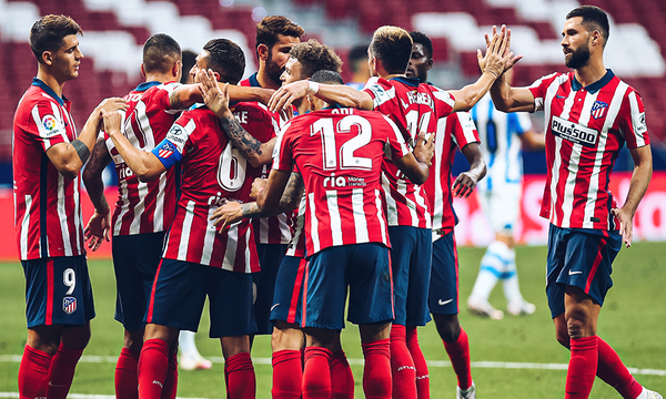 Club-Atletico-de-Madrid-celebrando-una-victoria